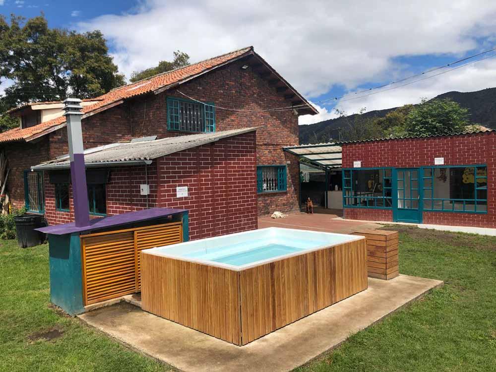 piscina guarderia canina